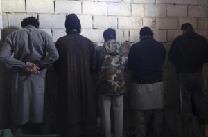 ISIL fighters detained by rebels in