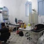 قطع المعونات الطبية واستهداف المشافي