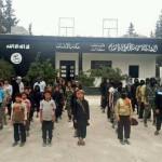 داعش تقتل الطفولة: تقرير خاص عن انتهاكات داعش بحق الأطفال في سورية