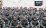 الجنود الفيجيين المختطفين كما ظهروا في شريط وزّعته جبهة النصرة قبل يوم من الإفراج عنهم