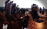 دفن ضحايا الهجمات على درعا البلد-عن مؤسسة نبأ الإعلامية