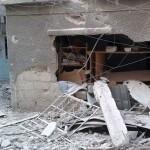 البراميل تستهدف مخيم اليرموك وقت الإفطار