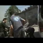 إسعاف المصابين بعد غارة على مدينة عربين 29-8-2015