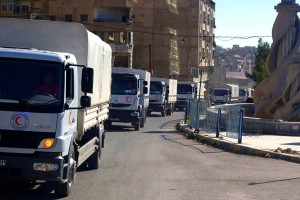 الهلال الأحمر يدخل مساعدات إلى مدينة التل