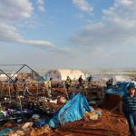 هيومن رايتس ووتش: شهادات عن غارات جوية على مخيم للنازحين