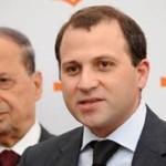 باسيل يحرّض بلديات لبنانية ضد اللاجئين السوريين
