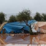 السيول تجتاح مخيمات النازحين في الشمال السوري