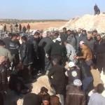الدفاع المدني يعثر على مقبرتين جماعيتين في إدلب خلفهما جند الأقصى