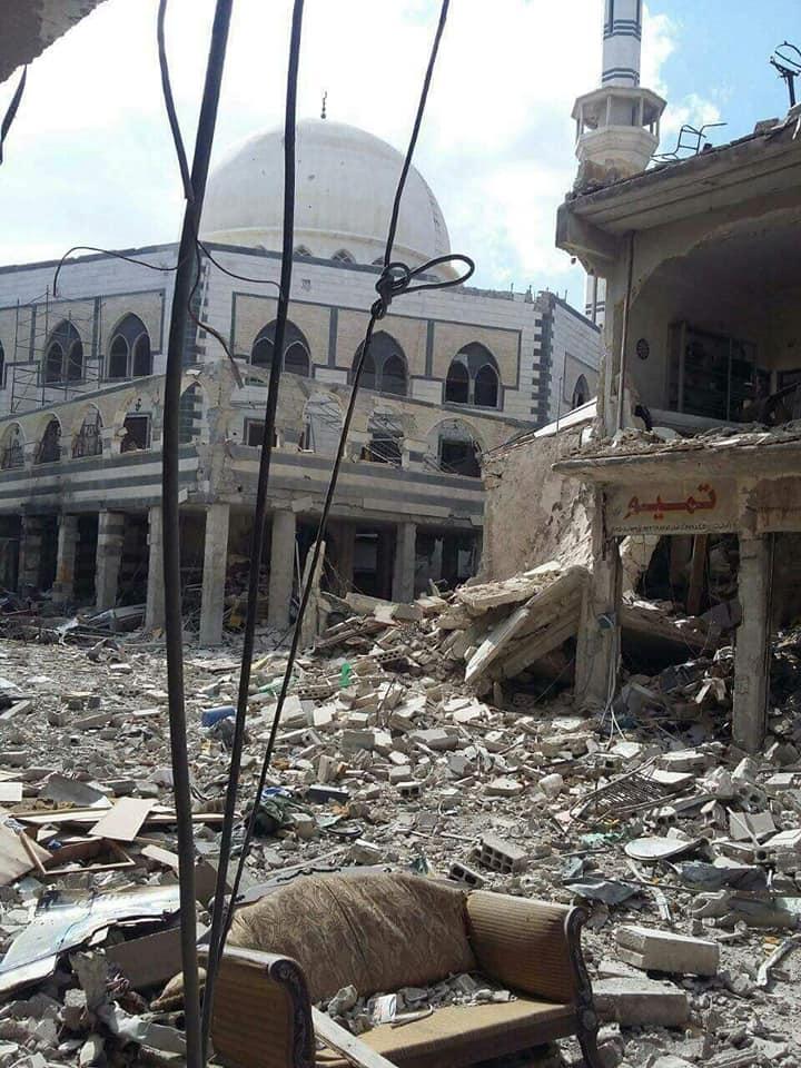 الدمار الحاصل في محيط مسجد فلسطين بمخيم اليرموك