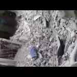 مرتزق في لواء القدس الفلسطيني يوثّق سرقة بيوت مخيم اليرموك 22/5/2018