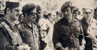 يعيش رفعت الأسد، قائد سرايا الدفاع التي ارتكبت مجزرة سجن تدمر وعدد كبير من الجرائم الأخرى، في أوروبا منذ منتصف ثمانينيات القرن الماضي