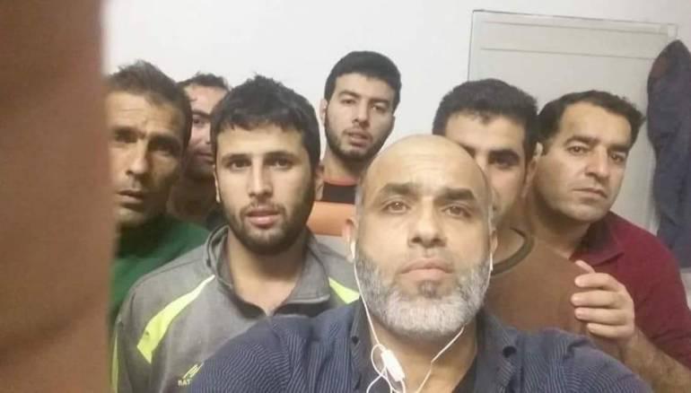 ظهر بعض المهددين بالترحيل في فيديو تسجيلي، وطالبو بالتدخل لدى السلطات الجزائرية لوقف ترحيلهم إلى سورية