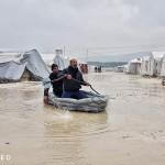 الأمطار تغمر خيم النازحين في الشمال السوري